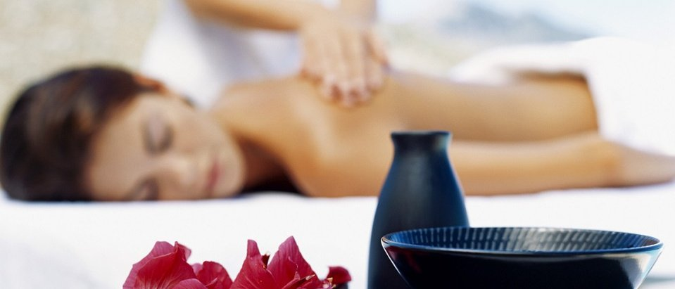 Zen Massage: Legs, Back, Head and Face (35 min). Price per person - Hotel As Cascatas Golf Resort & Spa Vilamoura